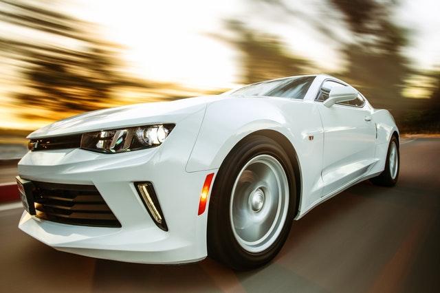 moderné auto.jpg