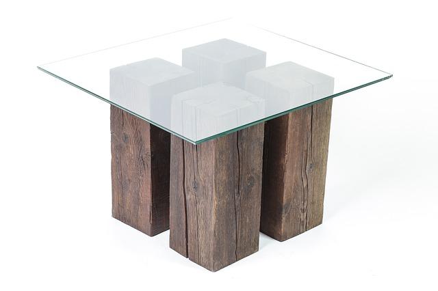 Sklo položené na dreve.jpg