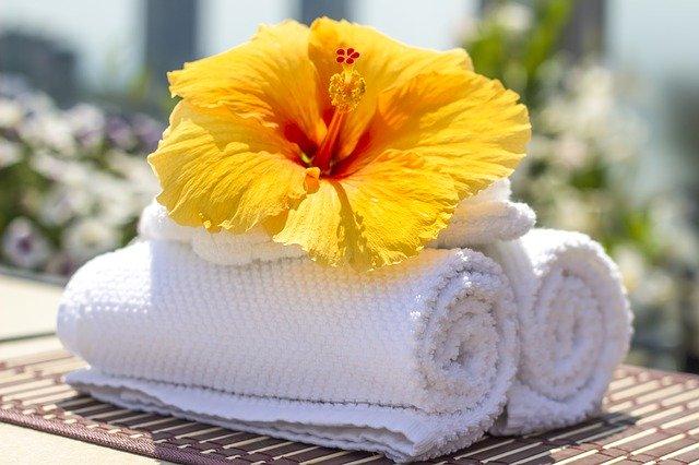 žltý kvet na uterákoch.jpg