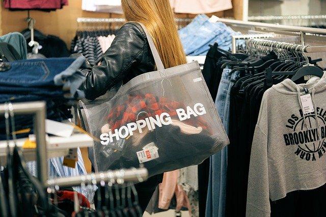 nakupujúca žena.jpg